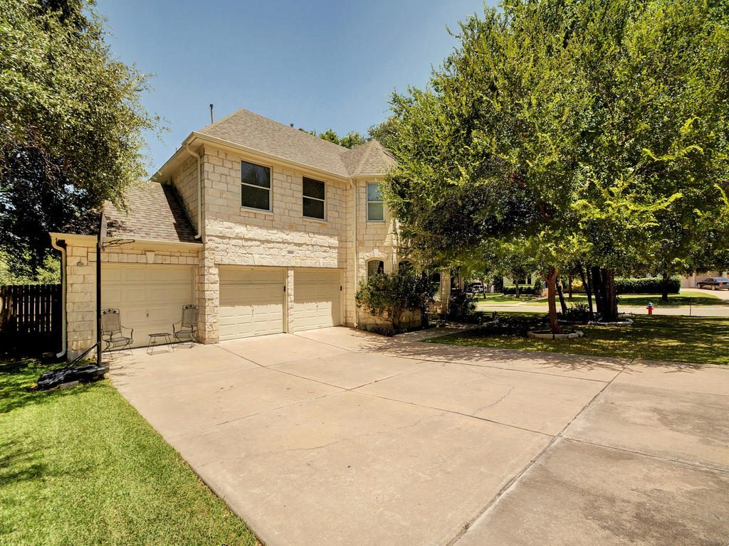3100 Scarlet Oak Cove-MLS_Size-002-21-Exterior Front 954-1024x768-72dpi